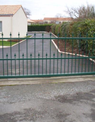 Portail en métal à Mauléon, Cholet, Bressuire, Les Herbiers - SG Métal