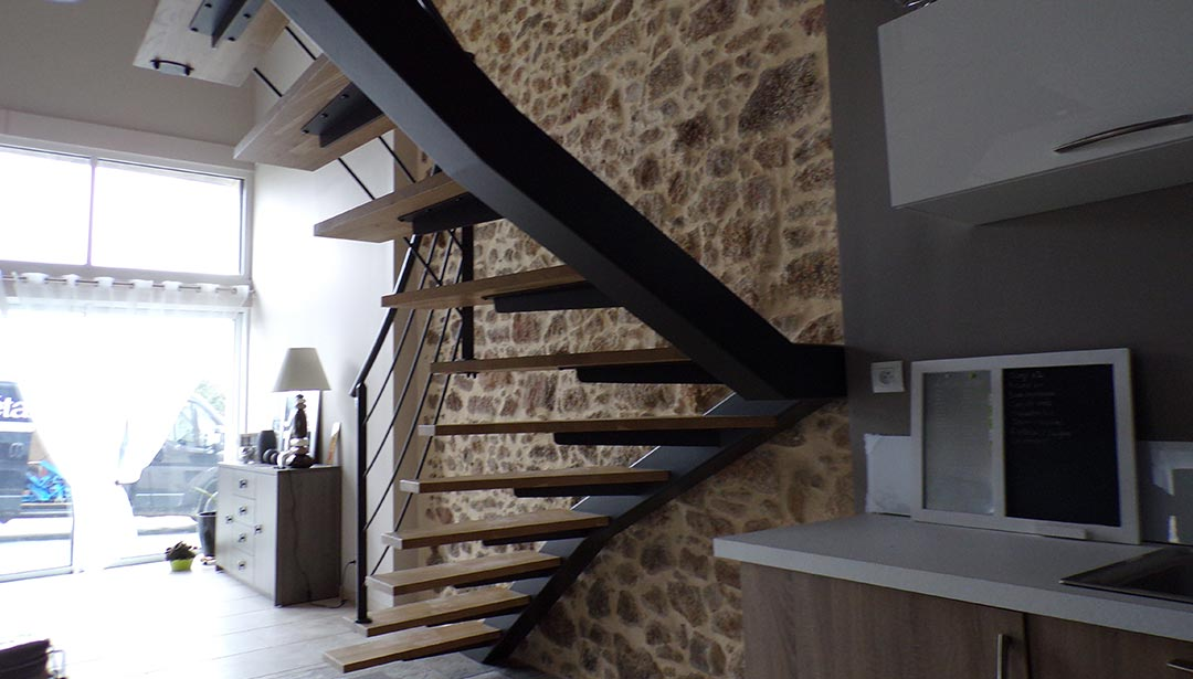 Escalier en métal à Mauléon, Cholet, Bressuire, Les Herbiers, Nantes, Deux-Sèvres (79), Maine et Loire (49), Vendée (85) et Loire Atlantique (44)