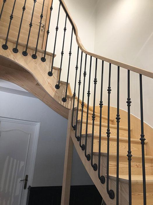 Modernisation escalier avec Garde corps en métal à Mauléon, Cholet, Bressuire, Les Herbiers, Saint Gilles Croix de Vie, Les Sables d'Olonne Nantes, Angers, Deux-Sèvres (79), Maine et Loire (49), Vendée (85) et Loire Atlantique (44)