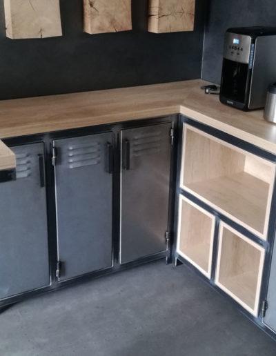 Casier en métal en Partenariat avec EFI DESIGN Cholet - SG Métal, créateur de mobilier en métal à Mauléon, Cholet, Bressuire, Les Herbiers, Deux-Sèvres (79), Maine et Loire (49), Vendée (85) et Loire Atlantique (44)