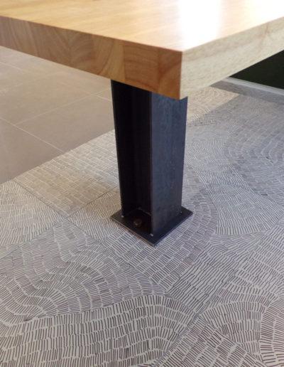 Pied de table en métal en Partenariat avec Bourdon Architectes Cholet - SG Métal, créateur de mobiliers en métal à Mauléon, Cholet, Bressuire, Les Herbiers, Deux-Sèvres (79), Maine et Loire (49), Vendée (85) et Loire Atlantique (44)