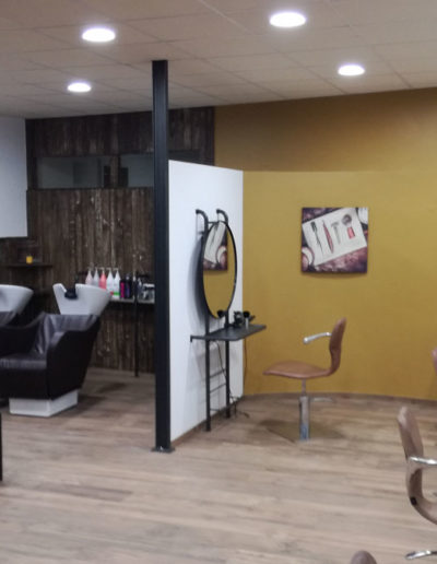 Mobilier en métal pour le Salon de coiffure aux châtelliers-Châteaumur - SG Métal